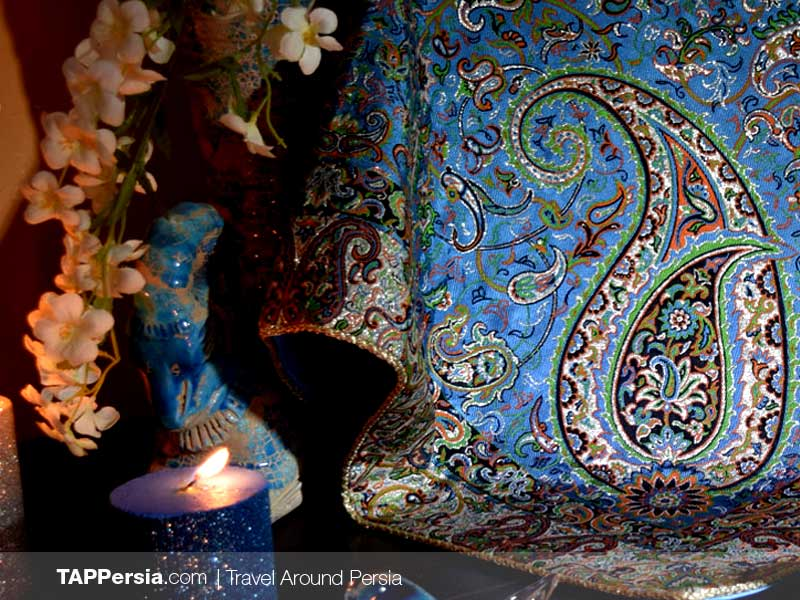 Termeh: The Luxurious Handwoven Fabric - Yazd Souvenirs - TAP Persia